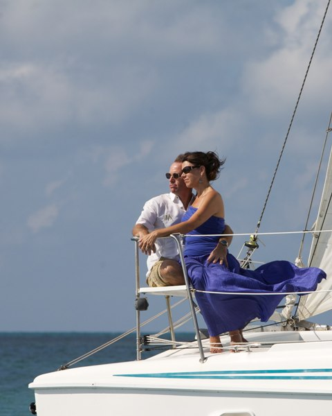 sailing 650 honeymoon couple chabil mar resort belize