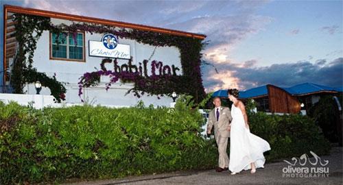 Belize Wedding Couple